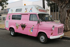 1974 Ford Transit Mk1 (jeremyg3030) Tags: 1974 ford transit mk1 cars british mrwhippy icecream van pink