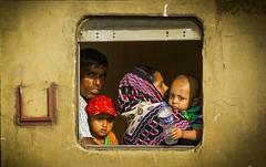 Family Journey (Trains In Tasmania) Tags: bangladesh dhaka train candid trainsintasmania stevebromley ef35350mm13556lusm canoneos550d
