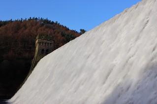 Ladybower Dam ( Reservoir )