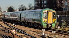 377116 (JOHN BRACE) Tags: 2002 bombardier derby built electrostar 377116 southern livery east croydon station