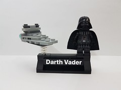 Minifigure Display Stand: Darth Vader