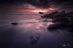 Cádiz Glow (jesbert) Tags: cadiz andalucia andalusia españa spain sunset coast rocks water glow birds waves south sony a7r2 carl zeiss 16 35 sky