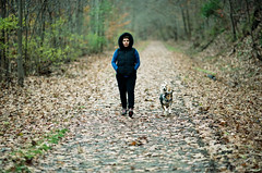 Walking on the yesterday's leaves (The_3rd_eye_digital) Tags: planart1450 portra160 zeissplanart1450ze