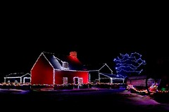 Alight At Night 2017 058 (Chrisser) Tags: christmas christmaslights ontario canada canoneosrebelt6i canonefs1855mmf3556isstmlens alightatnight specialholidays nightphotography uppercanadavillage