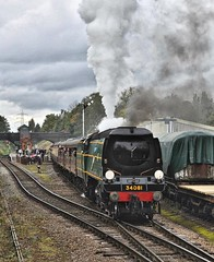 Great Central Railway Rothley Leicestershire 7th October 2017 (loose_grip_99) Tags: great central railway railroad rail train rothley leicestershire eastmidlands england uk steam engine locomotive southern preservation transportation bulleid pacific 462 battleofbritain 34081 92squadron gassteam uksteam trains railways gala october 2017