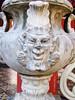 Demonio (Gato de petricor) Tags: caracas villasantaines antiguo pasado past his history historia antique demon demonio statue decoracion moldura detalle detail eclectico colonial jarron