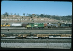 EMDX 186 at Armstrong Yard, Kansas City, Kansas 28 January 1989 (redfusee) Tags: emd