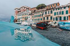 Vernazzola on a rainy day (FButzi) Tags: genova genoa liguria italia italy vernazzola rainy day rain water reflection boat boats
