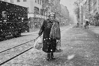 Mannheim Street Frau 373 b&w