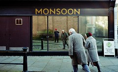 Monsoon Steps: Hertford (Mike Cook 67) Tags: event saturday farmersmarket salisburysquare homecounties shires greatbritain fujifilm superia poormansleica glass mirror reflection canon stevenage xtra letsgoxtra filmshootersgroup leicaenvygroup canonetmonamourgroup canoncanonetql19 streetphotography fujifilmsuperiaxtra hertford hertfordshire herttfordfarmersmarket analog analogphotography 35mmfilm rangefindercamera