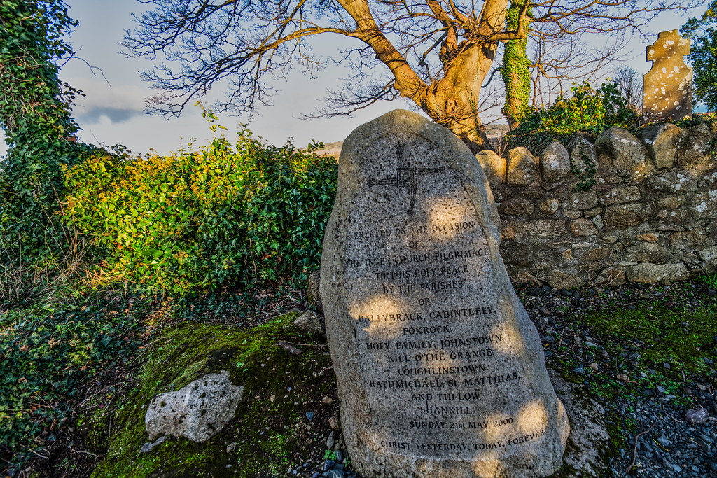 ANCIENT CHURCH AND GRAVEYARD AT TULLY [LAUGHANSTOWN LANE NEAR THE LUAS TRAM STOP]-134552