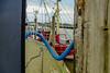 13-12-15 loog fähr diag haf fischer boot mast still  p1060242-1 (u ki11 ulrich kracke) Tags: balken durchblick fischerboot fähre hafen kontrast kurve langeoog linieblau mast pfahl punktrot rohr schlauch sinus