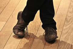 Old Brown Shoe (just.Luc) Tags: shoe shoes schoenen chaussures schoen schuhe song lied chanson text texte lyrics words paroles old oud vieille alt brown brun bruin braun