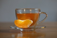 Just the right for cold days (Xtraphoto) Tags: stillleben stilllife glas orange cup tasse tee tea