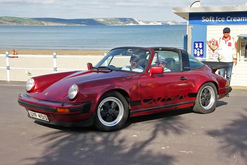 Porsche 911 UYF 451S