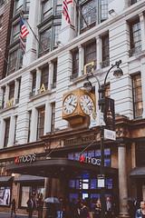 DSC_7020 (MaryTwilight) Tags: newyork humansofnewyork peopleofnewyork nyc bigapple thebigapple usa exploreusa explorenewyork fallinnewyork streetsofnewyork streetphotography urbanphotography everydayphotography lifestylephotography travel travelphotography architecture newyorkbuildings newyorkarchitecture
