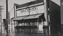 1950 Flood - Safeway at St. Mary's & St. Anne's (vintage.winnipeg) Tags: vintage history historic winnipeg manitoba canada 1950flood