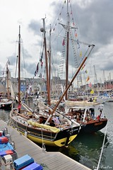 OUR BOYS ketch FY221 & Hermine (pontfire) Tags: cornish lugger traditional fishing boats small sailing vessel lug sails paimpol pêche voilier bâteau de port fy221