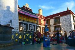 Shadow of the Sino-Tibetan treaty pillar, Tibet 2017 (reurinkjan) Tags: tibetབོད བོད་ལྗོངས། 2017 ༢༠༡༧་ ©janreurink tibetanplateauབོད་མཐོ་སྒང་bötogang tibetautonomousregion tar ütsang lhasa jokhang lhadentsuglakhang jowokhang ཇོ་ཁང་ womanསྐྱེས་དམན་kyemen བུད་མེདbümé beautifulwomanབུད་མེད་མཆོགbümemchok prettywomanབུད་མེད་མཆོར་མོbüméchormo ladyfemalewomanམོmo མོ་སྐྱེསmokyé femalesམོ་རྣམསmonam faceགདོང་པ་dongpa གདོང༌dong གདོང་ཁdongkha portrait portraiture facecolorགདོང་མདོགdongdok portrayal picture photograph likeness sinotibetantreatypillar