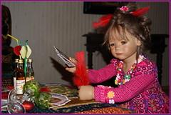 Milina ... welche Karte soll ich nur spielen ... (Kindergartenkinder) Tags: kindergartenkinder annette himsedt dolls milina karten kartenspiel