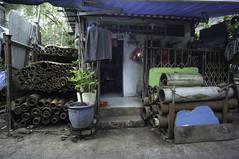 (kuuan) Tags: voigtländerheliarf4515mm manualfocus mf voigtländer15mm aspherical f4515mm superwideheliar sonynex5n apsc hochiminhcity hcmc saigon vietnam street workshop chinatown metal cholon shop