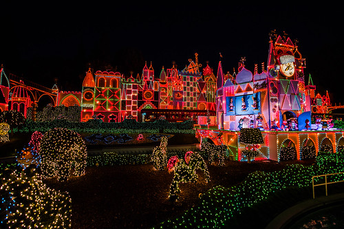 """it's a small world"" holiday - Disneyland"