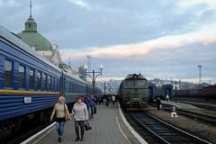 2M62 1250 at the Chernivtsi railway station (berlinger) Tags: chernivtsiчернівці chernivetskaoblast ukraine 2m62 uz укрзалізниця ukrzaliznytsia train railways ukrainianrailways locomotive