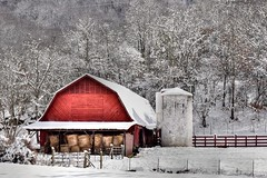 Red Barn and Snow (esywlkr) Tags: barn landscape snow weather haywoodcounty northcarolina