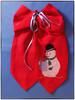 Stickschleife zu Weihnachten (videamus) Tags: strickerei strickkunst weihnachten frohe frohes fest gesegnetes weihnachtsfest dekoration glück machen brav heimat deutschland herzen wärme lustig schneemann bergisches land