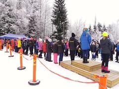 Pristagare i långa rader. 27 flickor i D12 i Pohjankyrön Nuotisohiihdot.