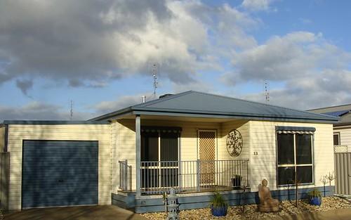 13 Paradise Place, Moama NSW