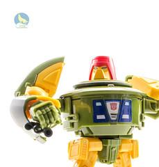 OM_Omne_Cosmos_stand (Weirdwolf1975) Tags: tfylp transformers podcast ocularmax masterpiece omne cosmos toyworld wavebreak seaspray mastermindcreations