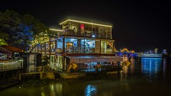restaurant ship (Klaus Mokosch) Tags: restaurantship danang vietnam asia river night light urban city travel klausmokosch