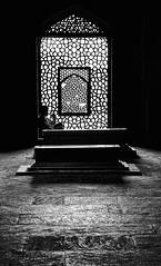 Humayun's Tomb (Rod Waddington) Tags: india indian indoor humayun humayuns tomb blackandwhite mono monochrome coffin man unesco