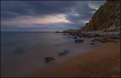 Soledad en la playa. (antoniocamero21) Tags: color foto sony paisaje marina tossa girona catalunya