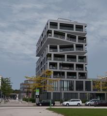 Das elastische Haus (martin.gaus) Tags: martin gaus guesswheremunich münchen modernearchitektur neuesbauen