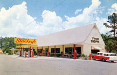 Stuckey's - Suwanee River FL (kyfireenginephoto) Tags: service car branford us27 texaco roadside 1950s auto fanningsprings fl us98 suwanee highway stationwagon oil pecan globe pump us19 florida nash perry gas rambler phonebooth