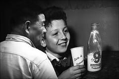 latte di tigre (bostankorkulugu) Tags: latte milk kid boy child granarolo chinese viadeimercanti milan milano italy italia lombardy lombardia smile billboard