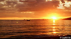 """""""Every sunset brings the promise of a new dawn"""" (Lцdо\/іс) Tags: aonang sunset sun sunny beach krabi travel vacance vacation 2017 voyage thailande lцdоіс thailand thailandia thai thaïlande romantic night"""