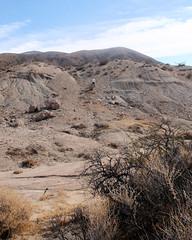037 The Slide Down (saschmitz_earthlink_net) Tags: 2017 california orienteering redrockcanyon statepark laoc losangelesorienteeringclub mojavedesert desert kerncounty elpasorange