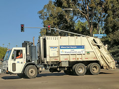 Garbage Truck 12-19-17 (1) (Photo Nut 2011) Tags: sandiego california sanitation wastedisposal garbagetruck trashtruck refuse waste junk truck garbage 811121