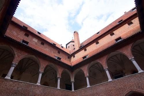 Wieża z dziedzińca zamku biskupiego w Lidzbarku Warmińskim