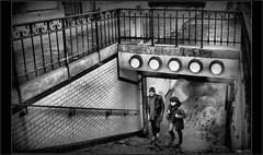 Les échappés de l'édicule (mamasuco) Tags: nikon d7000 paris metro noiretblanc