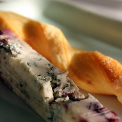 Oro rosso (overthemoon) Tags: cheese flûte roquefort ororosso fromage redgold italiancheese stick twist square macro bluecheese greenbutterdish formaggio käse food