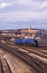 4498 in Derby Station. 29.08.1988 (briandean2) Tags: 4498 a4 derbyrailwaystation derby derbyshire steam railways uksteam ukrailways