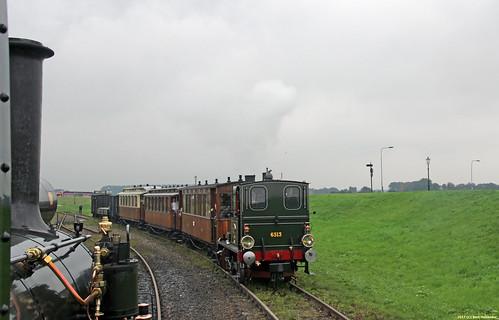 20170817 SHM 6513 + tram, Medemblik