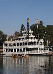 DSC_1331_Disney_MarkTwain_anaheimCA_301217 (robert_stewart37) Tags: disneyland marktwain riverboat anaheim