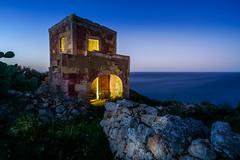 Cliff House (K.H.Reichert [ not explored ]) Tags: bulehour nighshot ocean meer himmel malta felsen clouds sky sea gozo coast wolken rocks lostplace abandoned verlassen decay