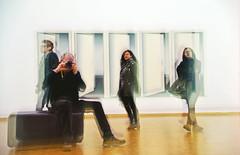 experiential spaces (joachim.d.) Tags: erlebnisraum kunstraum artspaces museum türen menschen kunstgucken visitors besucher neugierig moment art wahrnehmen interpretieren glas spiegelung dynamik bewegung veränderung interpretation wahrnehmung cologne köln