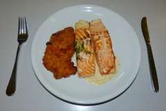 Sehr lecker. (remember moments) Tags: dietmarvollmer food meal dish escalope schnitzel salmon lachs cutlery round circle meat fish